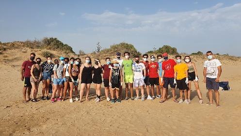 https://www.ragusanews.com//immagini_articoli/19-08-2021/attivita-di-raccolta-rifiuti-in-spiaggia-a-santa-maria-del-focallo-280.jpg
