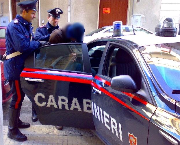 http://www.ragusanews.com//immagini_articoli/19-09-2014/arrestati-giuseppe-avola-e-gianluca-rotante-500.jpg
