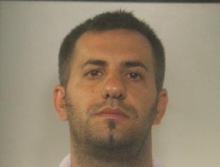 http://www.ragusanews.com//immagini_articoli/19-09-2017/padova-fingeva-magistrato-poliziotto-arrestato-giorgio-covato-240.jpg