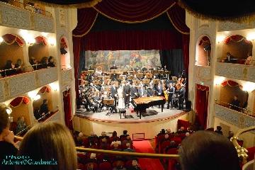 http://www.ragusanews.com//immagini_articoli/19-09-2017/storia-colonne-sonore-litalian-brass-band-240.jpg