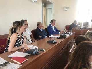 https://www.ragusanews.com//immagini_articoli/19-09-2018/meeting-associazioni-europee-unesco-scicli-protagonista-ottobre-240.jpg