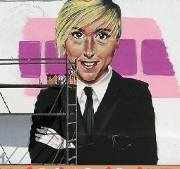 https://www.ragusanews.com//immagini_articoli/19-09-2019/un-murales-per-nadia-toffa-240.png