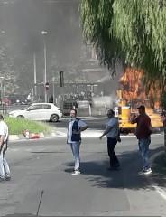 https://www.ragusanews.com//immagini_articoli/19-09-2020/bus-dell-amat-a-fuoco-a-catania-mentre-era-in-marcia-240.jpg