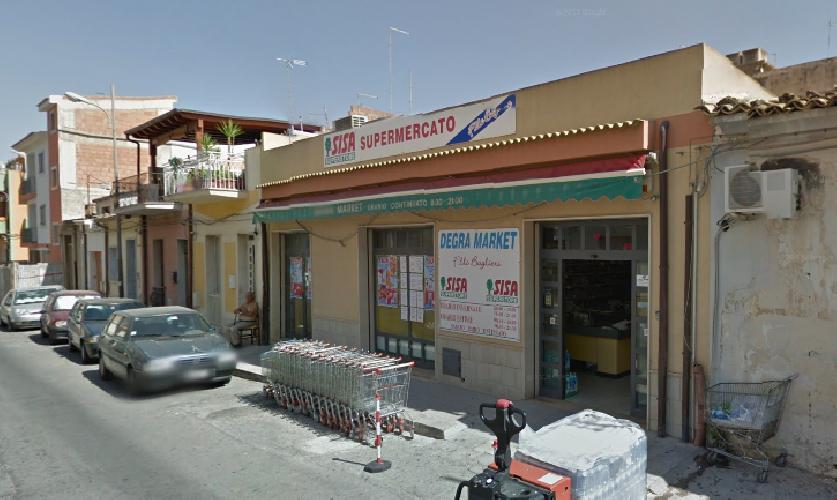 http://www.ragusanews.com//immagini_articoli/19-10-2015/rapina-al-supermercato-di-via-mentana-500.png