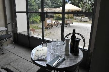 https://www.ragusanews.com//immagini_articoli/19-10-2017/1508443190-luisa-beccaria-pranzo-siciliano-milano-spritz-sapor-amara-2-240.jpg