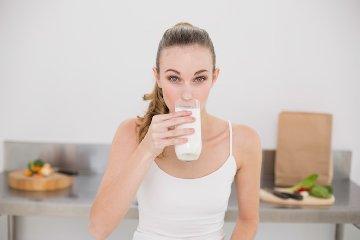 http://www.ragusanews.com//immagini_articoli/19-10-2017/dieta-latte-meno-chili-giorni-240.jpg
