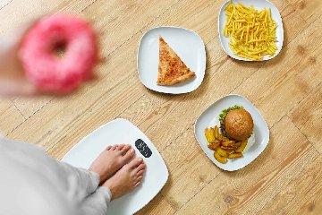 http://www.ragusanews.com//immagini_articoli/19-10-2017/dieta-zuccheri-dimagrire-basso-indice-glicemico-240.jpg