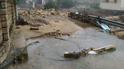 https://www.ragusanews.com//immagini_articoli/19-10-2018/nubifragio-assenza-calamita-240.jpg