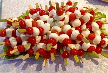https://www.ragusanews.com//immagini_articoli/19-10-2018/titolare-catering-prese-pugni-invitato-festa-240.jpg
