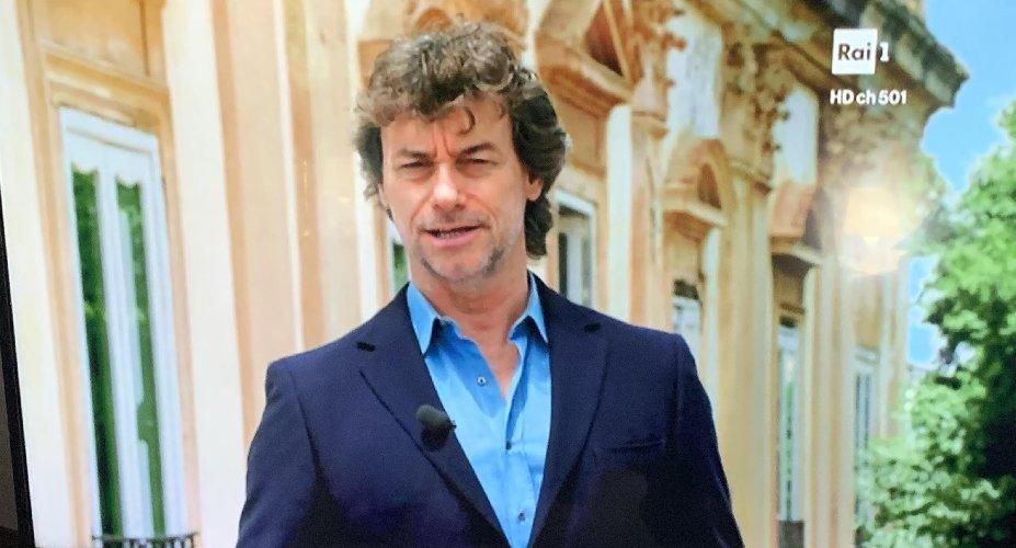 https://www.ragusanews.com//immagini_articoli/19-10-2019/alberto-angela-in-sicilia-possono-sentirsi-principi-500.jpg