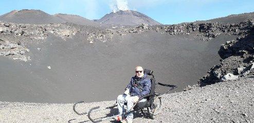 https://www.ragusanews.com//immagini_articoli/19-10-2019/passeggiata-luna-in-sedia-a-rotelle-240.jpg