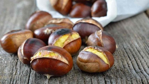 https://www.ragusanews.com//immagini_articoli/19-10-2021/castagne-a-dieta-come-mangiarle-senza-perdere-la-linea-280.jpg