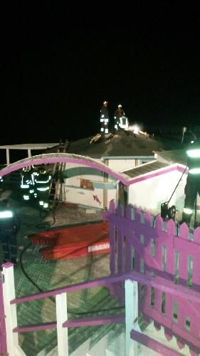 http://www.ragusanews.com//immagini_articoli/19-11-2015/incendio-alla-baja-di-marina-di-ragusa-500.jpg