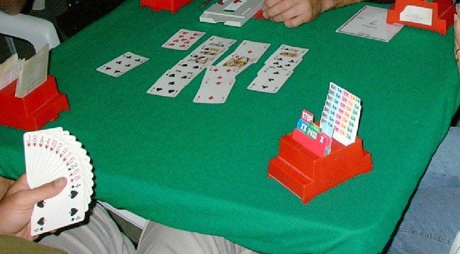 https://www.ragusanews.com//immagini_articoli/19-11-2018/bravo-comune-modica-insegna-giocare-bridge-500.jpg