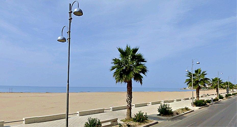 https://www.ragusanews.com//immagini_articoli/19-11-2019/domenica-io-e-i-miei-amici-puliremo-la-spiaggia-di-ponente-500.jpg