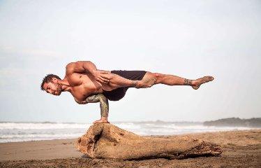 https://www.ragusanews.com//immagini_articoli/19-11-2019/fare-yoga-aiuta-a-dimagrire-240.jpg