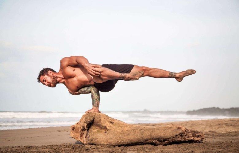 https://www.ragusanews.com//immagini_articoli/19-11-2019/fare-yoga-aiuta-a-dimagrire-500.jpg