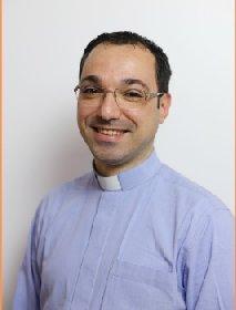 https://www.ragusanews.com//immagini_articoli/19-11-2020/don-francesco-mallemi-nominato-vicario-parrocchiale-a-giarratana-280.jpg