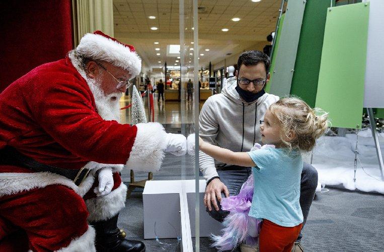 https://www.ragusanews.com//immagini_articoli/19-11-2020/nuovo-dpcm-il-3-dicembre-si-apre-uno-spiraglio-per-le-feste-500.jpg