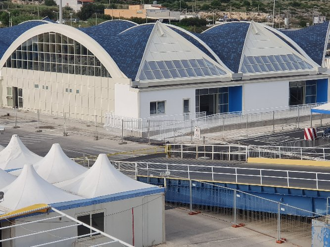 https://www.ragusanews.com//immagini_articoli/19-12-2019/stazione-passeggeri-di-pozzallo-sabato-linaugurazione-500.jpg