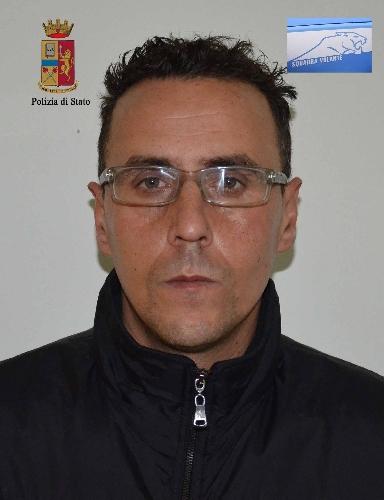 http://www.ragusanews.com//immagini_articoli/20-01-2014/arrestato-il-ladro-dei-salvadanai-dei-bambini-500.jpg