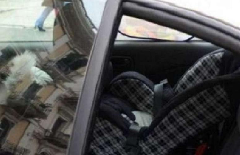 http://www.ragusanews.com//immagini_articoli/20-01-2014/bambina-resta-chiusa-in-auto-salvata-dai-carabinieri-500.jpg