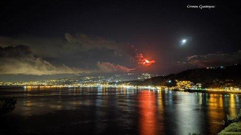 https://www.ragusanews.com//immagini_articoli/20-01-2021/1611134445-le-foto-dell-eruzione-dell-etna-1-280.jpg