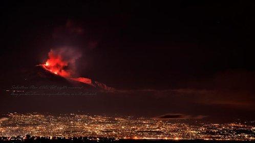 https://www.ragusanews.com//immagini_articoli/20-01-2021/1611134543-le-foto-dell-eruzione-dell-etna-5-280.jpg