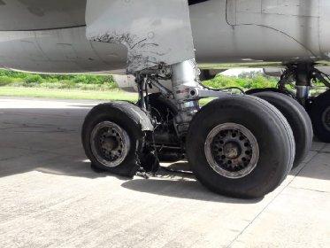 https://www.ragusanews.com//immagini_articoli/20-01-2021/scoppia-pneumatico-atterraggio-panico-volo-palermo-lampedusa-280.jpg