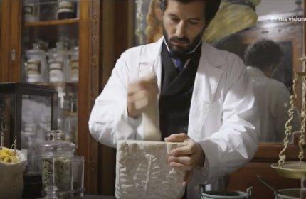 https://www.ragusanews.com//immagini_articoli/20-01-2021/un-video-racconta-l-antica-farmacia-negli-anni-venti-280.jpg