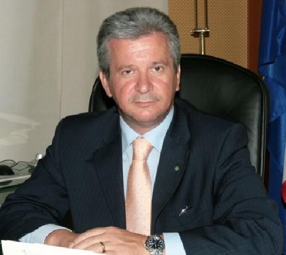 https://www.ragusanews.com//immagini_articoli/20-02-2013/finanziamento-illecito-ai-partiti-denunciati-12-politici-ce-incardona-500.jpg