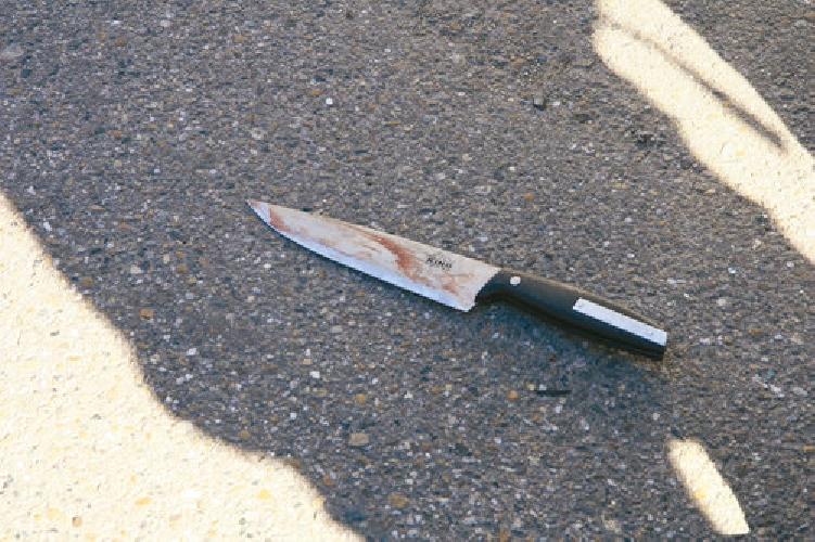 http://www.ragusanews.com//immagini_articoli/20-02-2014/squilibrato-con-un-coltello-nella-stanza-del-sindaco-di-modica-500.jpg