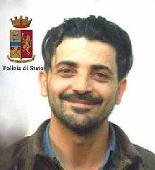 https://www.ragusanews.com//immagini_articoli/20-02-2018/lega-picchia-sequestra-dipendente-rumeno-arrestato-rosario-dezio-240.jpg
