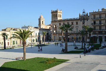 https://www.ragusanews.com//immagini_articoli/20-02-2019/ripristina-fontana-piazza-piazza-maria-jose-240.jpg