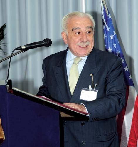 http://www.ragusanews.com//immagini_articoli/20-03-2014/seminario-di-studi-sulla-politica-500.jpg