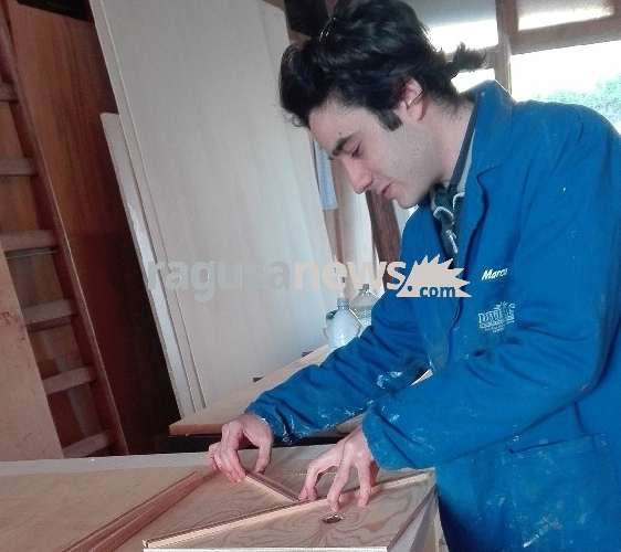 http://www.ragusanews.com//immagini_articoli/20-03-2017/vito-salerno-migliori-artigiani-italiani-under-500.jpg