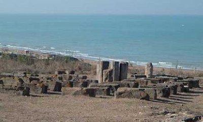 https://www.ragusanews.com//immagini_articoli/20-03-2018/camarina-caucana-ricerche-archeologia-siciliana-libro-240.jpg