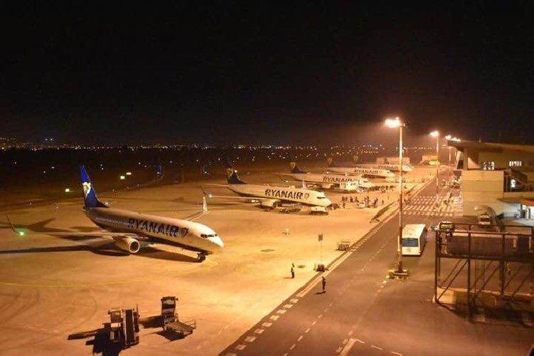 https://www.ragusanews.com//immagini_articoli/20-03-2019/aeroporto-catania-operativo-comiso-superato-esame-dieci-500.jpg