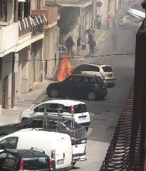 https://www.ragusanews.com//immagini_articoli/20-03-2020/si-incendia-una-lancia-y-a-vittoria-240.jpg