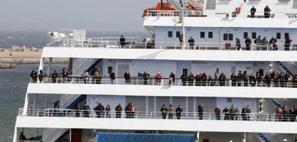 https://www.ragusanews.com//immagini_articoli/20-03-2021/migranti-dottoressa-positiva-lascia-nave-quarantena-a-pozzallo-280.jpg