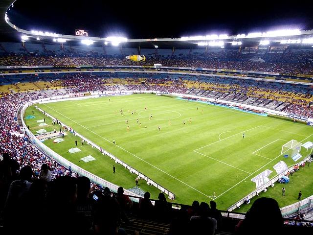 https://www.ragusanews.com//immagini_articoli/20-04-2015/1429524632-1-il-calcio-italiano-e-siciliano-punta-su-nuovi-stadi-per-competere-in-europa.jpg