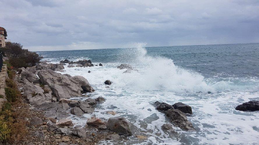 https://www.ragusanews.com//immagini_articoli/20-04-2019/pasqua-con-venti-di-burrasca-in-sicilia-500.jpg