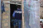 https://www.ragusanews.com//immagini_articoli/20-04-2019/scicli-arrestati-due-imprenditori-per-sfruttamento-manodopera-100.jpg