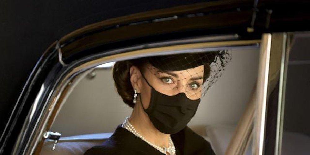 https://www.ragusanews.com//immagini_articoli/20-04-2021/kate-middleton-duchessa-di-cambridge-e-regina-di-eleganza-sui-social-500.jpg