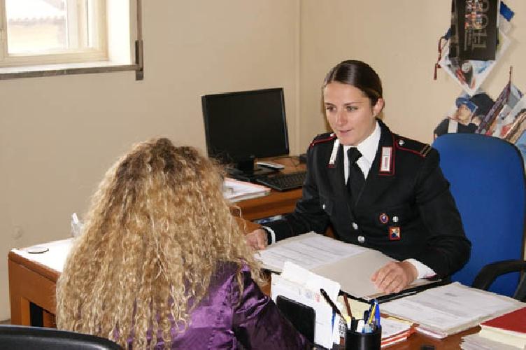 http://www.ragusanews.com//immagini_articoli/20-05-2014/maltrattava-la-moglie-arrestato-acatese-500.jpg