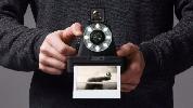 https://www.ragusanews.com//immagini_articoli/20-05-2016/nostalgia-di-polaroid-risolta-con-299-dollari-100.jpg