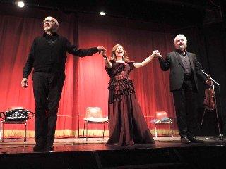 https://www.ragusanews.com//immagini_articoli/20-05-2019/applausi-per-l-ultimo-spettacolo-di-melodica-a-ragusa-240.jpg
