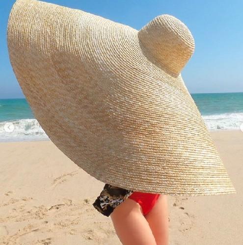 https://www.ragusanews.com//immagini_articoli/20-05-2020/sicilia-dal-6-giugno-apre-la-stagione-balneare-distanti-col-sombrero-500.jpg