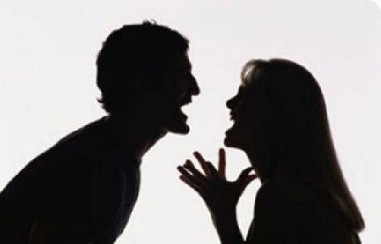 http://www.ragusanews.com//immagini_articoli/20-06-2014/botte-alla-ex-fidanzata-denunciato-62enne-ragusano-500.jpg