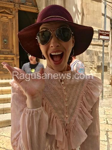 http://www.ragusanews.com//immagini_articoli/20-06-2017/chrysta-bell-scicli-twin-peaks-500.jpg
